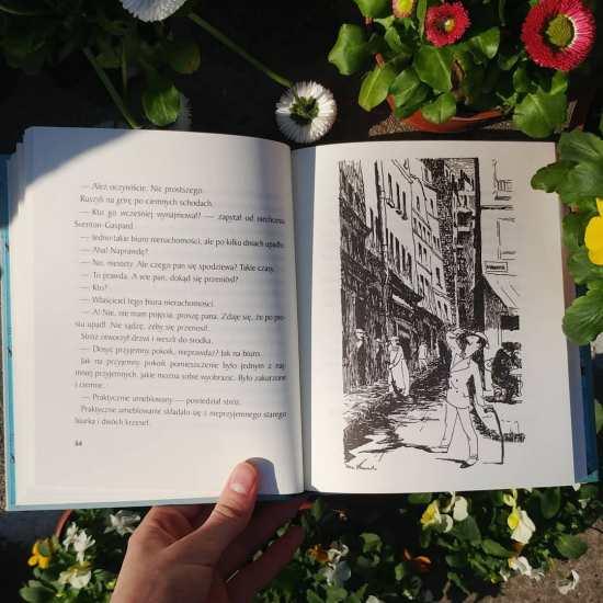 Poniedziałkowa podróż do Paryża?🗼 Proszę bardzo! 💙 Na czytelnicze wojaże zabierze nas znakomity detektyw #TureSventon 📖  #mistrzowieświatowejilustracji #turesventonwparyżu #akeholmberg #åkeholmberg #svenhemmel #justynaczechowska #dwiesiostry #wydawnictwodwiesiostry . . #książka2019 #kochamksiążki #ksiazki #book #books #ksiazkidladzieci #igreads #instabooks #bookstagram #czytamdzieciom #czytambolubię #czytamksiążki #bookaddict #książkadetektywistyczna #booksforkids #ksiazkadladzieci #czytanienieboli #ksiazka #dobraksiążka #czytamzdzieckiem
